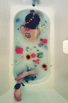 flower baths tub water peace smells
