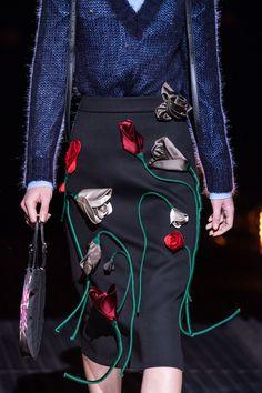 Prada Fall 2019 Ready-to-Wear Collection - Vogue Couture Details, Fashion Details, Fashion Design, High Fashion Models, Fashion Show, Fashion Trends, Fashion Fashion, Chifon Dress, Skirt Fashion