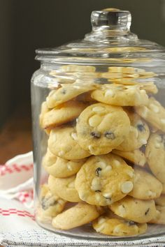 Vanilla, Currant, and White Chocolate Cookies