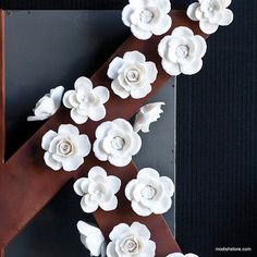 HomePort White Floral Magnets.