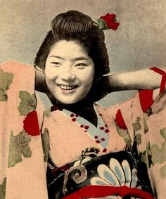 Another Happy Smile from Old Meiji-Era Japan by Okinawa Soba, via Flickr. Ca.1900-05 late Meiji-era image. Geisha and photographer remain unknown.