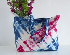 a perfect oversized tote bag for the beach or the park or the farmers market or anywhere you need a large, but easy to carry tote! hand dyed shibori with love from #brooklyn #summertote #handmadewithlove
