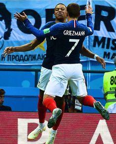 Merci ... Quel Match!! 30.06.18 Antoine Griezmann, Football Is Life, Football Soccer, World Cup 2018, Fifa World Cup, Neymar, Champion Du Monde Foot, Steven Gerrard, Premier League