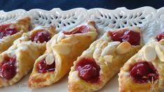 Prajituri foietaj cu vișine Food Cakes, Pretty Cakes, Romania, Pastries, Donuts, Waffles, Cake Recipes, Rolls, Drink