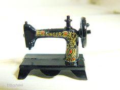 Modellbau - Nostalgie-Nähmaschine / Miniatur #5954 - ein Designerstück von EliBastelei bei DaWanda