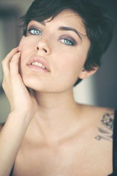 Perfect pixie, make-up