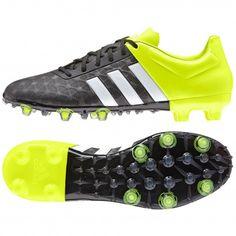 De Ace 15.2 FG/AG B32831 #voetbalschoenen van @adidas hebben een nauwsluitende pasvorm en kunnen zowel op kunstgras als op natuurlijke grasvelden gebruikt worden.