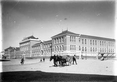 Lyceu de Camões, Lisboa (Carlos Alberto Lima, c. 1909) Historical Monuments, Historical Photos, Old Pictures, Old Photos, Places To Travel, Places To Visit, Portugal Travel Guide, Places In Portugal, Most Beautiful Cities