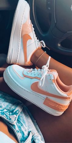 White Nike Shoes, White Nikes, Purple Nike Shoes, Cool Nike Shoes, Cool Nikes, Jordan Shoes Girls, Girls Shoes, Nike Jordan Shoes, Women Nike Shoes