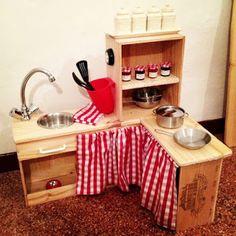 Roses et Confettis: Aménager une chambre d'enfants avec des caisses de vin en bois