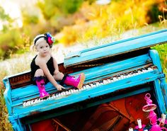 Piano out in a field!?!?!  YES!!!     Perfect for Photoshoot! Colors, Props & Clothing!