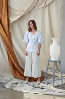 Audra Resort 2019 Fashion Show Collection: See the complete Audra Resort 2019 collection. Look 17