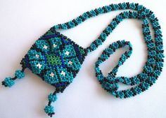 Mexican Huichol Peyote Mini-Bag Morral Necklace por Aramara en Etsy