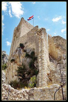 Mirabella Fortress, Omis, Croatia (Read more)Copyright: Jozef Zbigniew Napora Omis Croatia, Dalmatia Croatia, Have A Nice Vacation, The Fortress Of Solitude, Thousand Islands, European Destination, Central Europe, Dubrovnik, Places To Go
