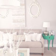 Apb made me keep the two green side tables (a vintage find) and as such, my all-white-front-zen-room dreams were shattered. But don't tell him I kinda like them in there. #youwinyoualwaysdo #hgeliving...