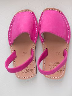 "Classic Children Sandals ""Avarcas"" Fucsia by Capicua (Menorca, Spain style)"
