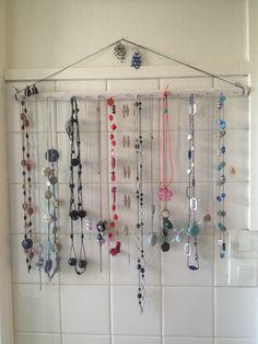 Un porte collier tout simple