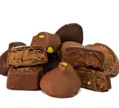 Belgian filled Chocolate Candies - Gefüllte belgische Pralinen mit Schokolade und Nougat  http://www.schokoladen-outlet.de/schokoladen-outlet/pralinen/pralinen-mix-nougat/a-359/