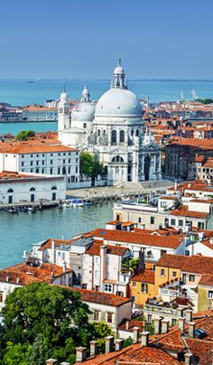 6 Must-See Spots in Venice, Italy - These 6 must-see spots in Venice will help any visitor to make the most of their Venetian experience.