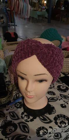 Opaska przeplatana zamiast czapki, wykonana z włóczki szenilowej, miękka i ciepła. Crochet Hats, Beanie, Knitting Hats, Beanies, Beret