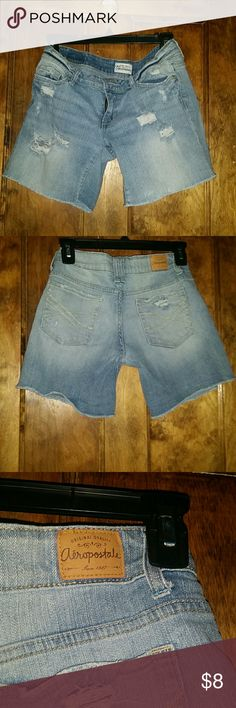 Aeropostale Deconstructructed Jean Short -Very Flattering -Versatile  -Roll Them Up For A Shorter Look -Roll Them Down For A Longer Look - Comfortable  -The Material Gives A Little (Somewhat Stretchy) -Light Blue Aeropostale Shorts Jean Shorts