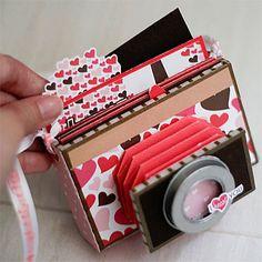Camera Mini Album - so darn cute!