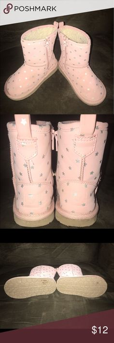 Toddler Size 9 Gap Boots Toddler boots, size 9, Gap brand. Very cute, dusty pink with silver stars. Light wear and dirt mark, see the last pic. GAP Shoes Boots