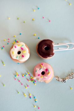 How to make a polymer clay doughnut charm - these would make ADORABLE magnets!