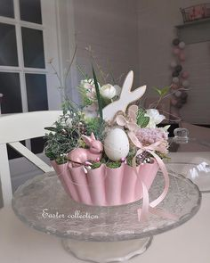 Spring Projects, Easter Projects, Easter Crafts, Easter Lamb, Easter Eggs, Dried Flower Arrangements, Diy Easter Decorations, Easter Holidays, Easter Table