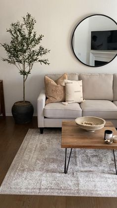 Decor Home Living Room, Living Room Interior, Living Room Decorations, Living Room Tables, Decorating Small Living Room, Neutral Living Rooms, Living Room With Sectional, Living Room With Plants, Living Room Accent Chairs