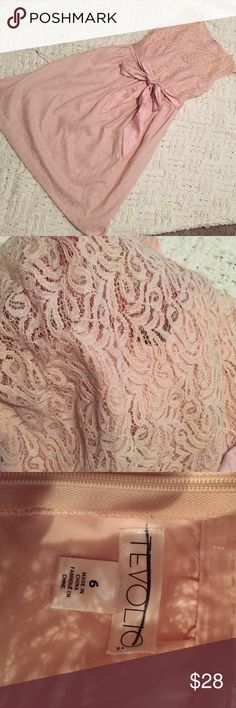 Tevolio lace blush pink colored dress New without tags - never worn. Gorgeous dress! Has a sweetheart neckline with a lace overlay. Also has a ribbon at the waist Tevolio Dresses Midi