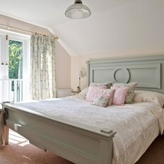 Bedrooms in gentle country flowers and pale ...