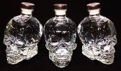 Haven't been able to sip this fine Vodka. But the signs must be right. First of all the killer shape of the bottle. This skull is plain art. Same counts for the glass it comes with. Secondly actor/singer Dan Akroyd from the legendary movie the Blues Brothers is the founder of the brand. A class liqor has to have a US celebrity branding it nowadays, or it seems. I'll let you know how the vodka tasted later!