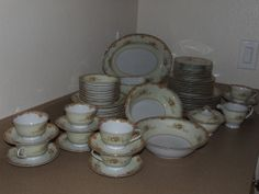 61 Piece Jyoto Coronet Fine China Made in Occupied China - Willing to Look at Best Offers!