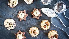 Základ předpečete před Vánocemi, zbytek doplníte až těsně před Štědrým dnem. Cukroví s krémem většinou vyžaduje dvě fáze přípravy, přesto je hitem snad v každé domácnosti. Hledáte osvědčené recepty? Sugar, Cookies, Recipes, Food, Crack Crackers, Biscuits, Essen, Meals, Eten