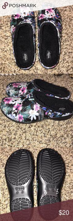 b999130a50183 Like New Women s Crocs Size 9 Fleece lined size 9 Women s crocs CROCS Shoes  Mules   Clogs