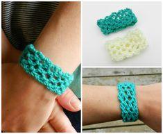Easy Crochet Lacey Cuff (growcreative) Tutorial ~☆~ Teresa Restegui http://www.pinterest.com/teretegui/  ~☆~