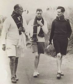 Photograph King George VI Walking with Two Men George The Sixth, George Duke, King George, The Crown Series, Lady Elizabeth, English Gentleman, Queen Mary, Queen Mother, Preppy Men