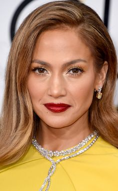 Beauty trends that are going to take the 2016 red carpet season by storm.