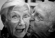 happy-old-couple.jpg (525×369)