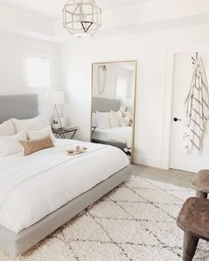 75 Small Girls Bedroom Makeover With Wallpaper Accent Wall 3 - dougryanhomes Home Interior, Interior Design, Interior Styling, Tumblr Bedroom, Aesthetic Rooms, Suites, Home Decor Bedroom, White Bedroom Decor, Bedroom Setup