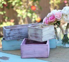 Primitivo...así se llama este estilo rústico de tratamiento de superficies. Perfecto para estas rústicas cajas.