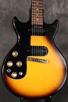 1963 Gibson MELODY MAKER Sunburst LEFT HANDED Lefty Guitars, Gibson Guitars, Guitar Pics, Guitar Amp, Gibson Melody Maker, Vintage Electric Guitars, Custom Guitars, Mandolin, Left Handed