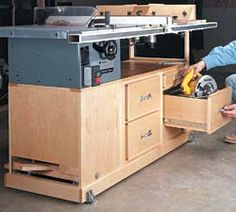 Adjustable height even on casters for table saw outfeed for Table saw cabinet plans free