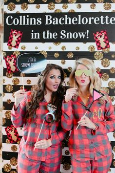 bachelorette-party-custom-step-and-repeat-and-photo-booth-signs