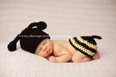 This is so cute! Someone that crotchets needs to make this, complete with little bum cap!
