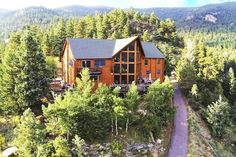 House in Evergreen, United States. Great home for family, friends, reunions, and celebrations!!  Also an ideal location for small corporate meetings and team building activities.   Video of outside and inside of The O'Malley Mountain Lodge: (URL HIDDEN)  Detailed tour of inside of ...