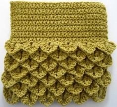 Crochet - Dishcloth - quick project to try out the crocodile stitch