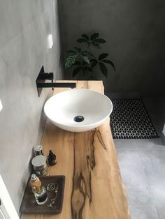 Last year, the ideas for the bathroom design of All White bathroom . - Last year, the ideas for the bathroom design of All White bathroom . All White Bathroom, Wood Bathroom, Laundry In Bathroom, Bathroom Interior, Modern Bathroom, Master Bathroom, Design Bathroom, Bathroom Ideas, Laundry Rooms