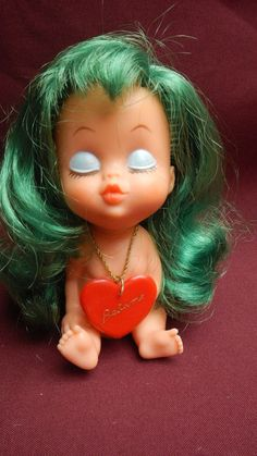 VINTAGE & NICE DOLL OF RUBBER,GIRL COQUETTE KISS ME HAIR GREEN - BASA PERU